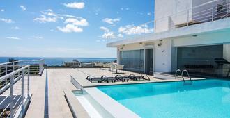 开放式公寓林肯套房酒店 - 圣多明各 - 游泳池