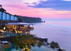 巴厘岛乌鲁瓦图水疗度假村 - South Kuta - 户外景观