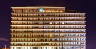 辛辛那提市中心品质套房酒店 - 辛辛那提 - 建筑