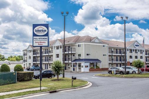 夏洛特巴兰坦郊区长住公寓酒店 - 夏洛特 - 建筑