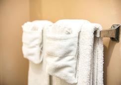 夏洛特巴兰坦郊区长住公寓酒店 - 夏洛特 - 客房设施