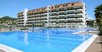 安吉尔先生酒店 - 圣苏珊娜 - 游泳池