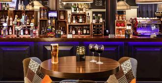 布里斯托米兹寺宜必思酒店 - 布里斯托 - 酒吧