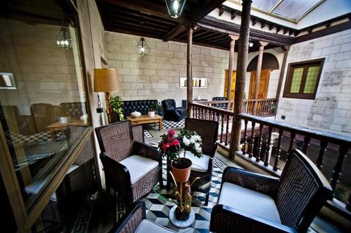 卡斯蒂利亚伯爵酒店 - 塞哥维亚 - 阳台