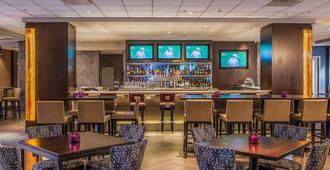 洛杉矶国际机场皇冠假日酒店 - 洛杉矶 - 酒吧