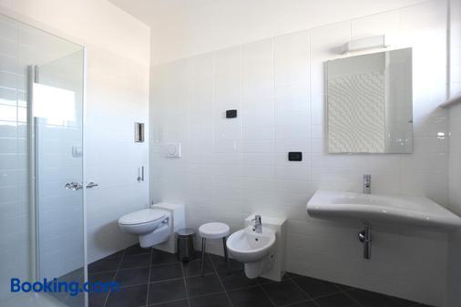 丽都酒店 - 托里德尔贝纳科 - 浴室