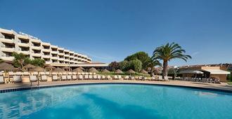 埃武拉酒店 - 埃武拉 - 游泳池