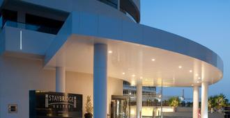 阿布扎比亚斯岛驻桥套房假日酒店 - 阿布扎比