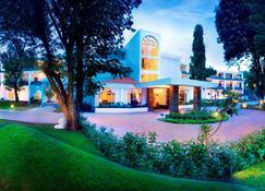 吉尔森林酒店 - 萨桑吉尔 - 建筑