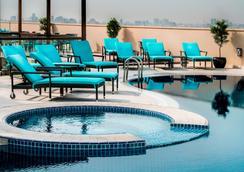 阿瑞斯广场酒店 - 迪拜 - 游泳池