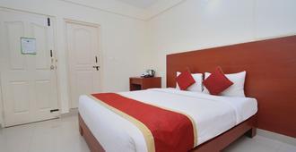 OYO 9653 安波顶级套房酒店 - 班加罗尔