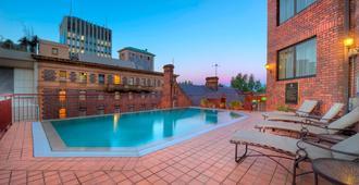 斯坦福圆码头酒店 - 悉尼 - 游泳池