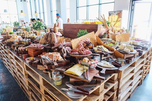 罗夫城中心酒店 - 迪拜 - 自助餐