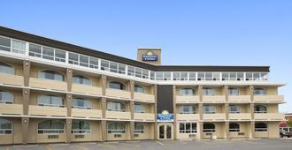 戴斯酒店及套房 - 北湾 - 诺斯贝
