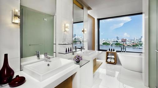 曼谷阿瓦尼河畔酒店 - 曼谷 - 浴室