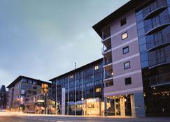 奥尔堡利姆海峡丽笙蓝光酒店 - 奥尔堡 - 建筑