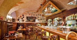 优普润斯酒店 - 布拉格 - 酒吧