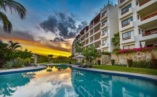 阿乐加兰扎别墅 - 全主套房 - 卡波圣卢卡 - 游泳池