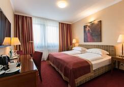 贝斯特韦斯特酒店圣·拉斐尔店 - 汉堡 - 睡房