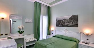 里维埃拉大酒店 - 索伦托 - 睡房