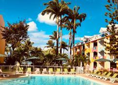 卡内拉海滩酒店 - 戈齐尔 - 游泳池