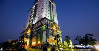 海星国际大酒店 - 海防市
