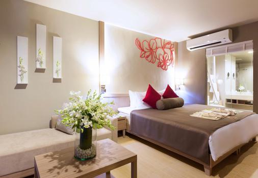 森斯马尔考拉克海滨度假酒店 - 拷叻 - 睡房