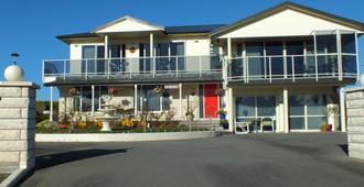 奥斯汀高地品质住宿加早餐酒店 - 凯库拉 - 建筑