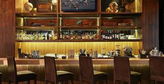 巴厘岛奥索特尔酒店 - 库塔 - 酒吧