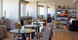文艺复兴圣路易斯机场酒店 - 圣路易斯 - 餐馆