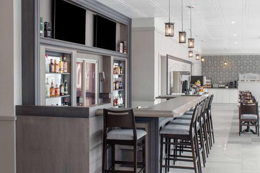 蒙克顿城堡酒店 - 温德姆商标精选酒店 - 蒙克顿 - 酒吧