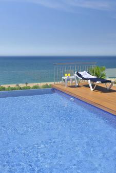 加泰罗尼亚酒店 - 卡里拉 - 游泳池