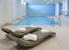 泰尔讷曾邱吉尔酒店 - 泰尔讷曾 - 游泳池