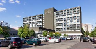 布拉迪斯拉发酒店 - 布拉迪斯拉发 - 建筑