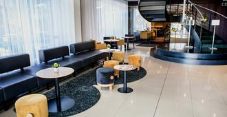 布拉格高尔夫酒店 - 布拉格 - 大厅