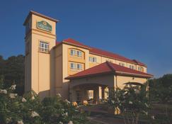 诺福克机场温德姆拉昆塔套房酒店 - 诺福克 - 建筑