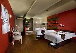 阿斯顿特洛皮卡纳广场酒店 - 万隆 - 睡房