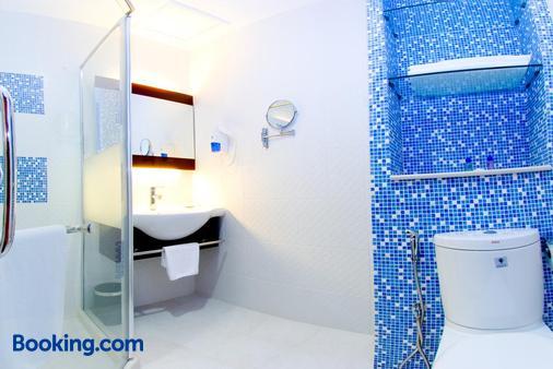 西岭城市广场酒店 - 亚庇 - 浴室