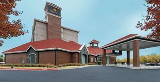 俄克拉荷马城西北高速公路拉金塔旅馆及套房酒店 - 奥克拉荷马市 - 建筑