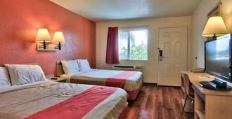 萨克拉门托南6号汽车旅馆 - 萨克拉门托 - 睡房