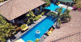 吉利棕榈度假酒店 - 马塔兰 - 游泳池