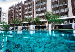 G华欣度假酒店及购物中心 - 华欣 - 游泳池