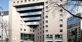 里昂中心巴蒂区甘贝塔住宿加早餐酒店 - 里昂 - 建筑