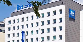 华沙雷杜塔宜必思经济型酒店 - 华沙 - 建筑