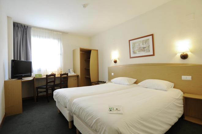 阿利坎特康铂酒店 - 阿利坎特 - 睡房