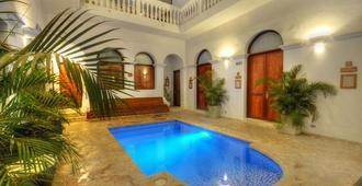 圣玛塔马萨亚青年旅舍 - 圣玛尔塔 - 游泳池