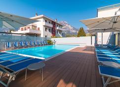 莫耶里酒店 - 托尔博莱 - 游泳池