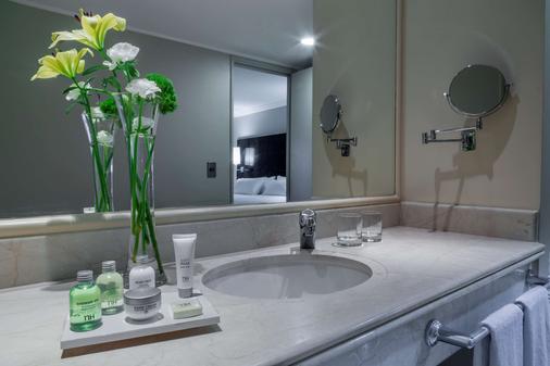 圣地亚哥NH 城酒店 - 圣地亚哥 - 浴室