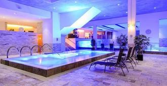 法兰西酒店 - 圣赫利尔 - 游泳池