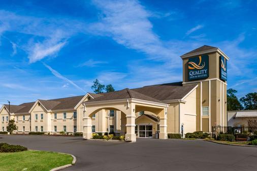 品质套房酒店 - 斯莱德尔 - 建筑
